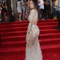 MTV Music Awards Red Carpet Looks!