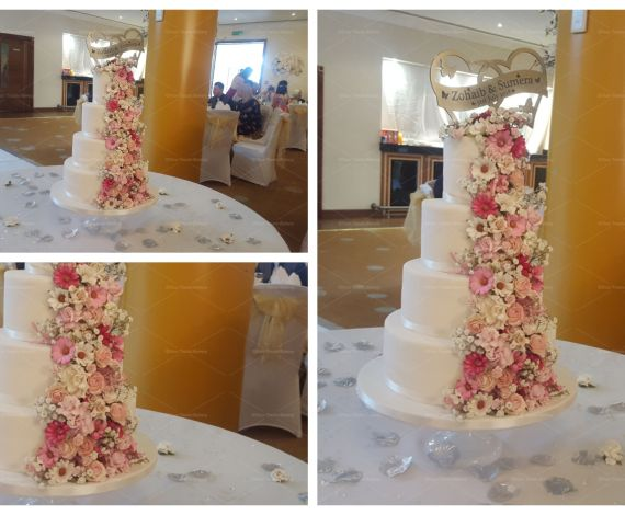 Floral Excellence Wedding Cake