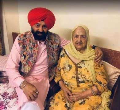 Jaspal bhatti with Manjit Kaur