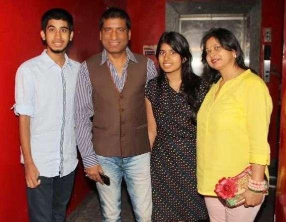 Raju Srivastav with his family
