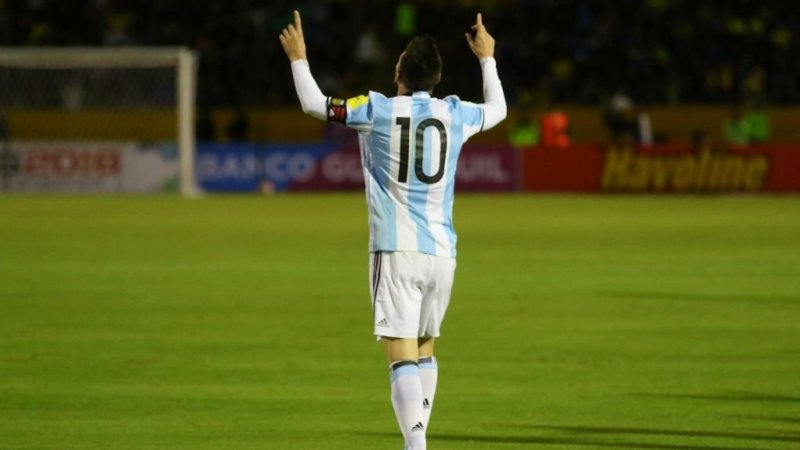 Messi vs Ronaldo?