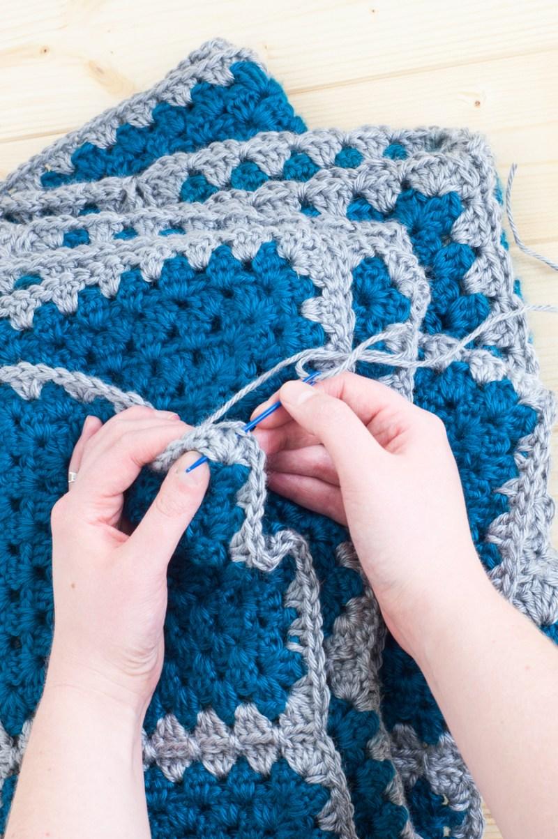 Crochet Granny Square Contrast Blanket Tutorial   YouShouldCraft.com