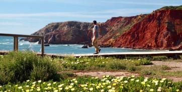 Praia do Amado walker