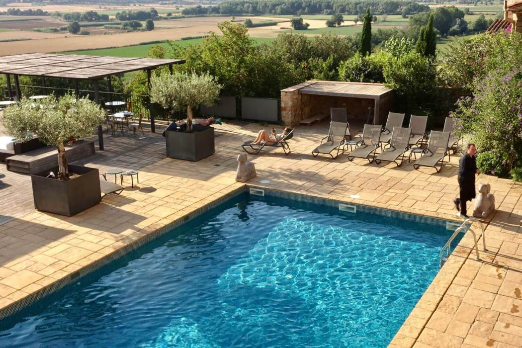 Castell d'Emporda pool view