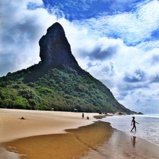 Praia Conceição Fernando de Noronha walker