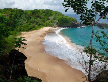 Praia do Sancho Fernando de Noronha midday