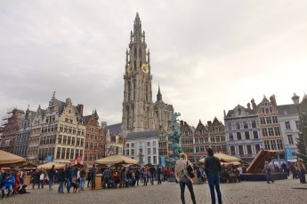 Everything is jumping in the Grote Markt
