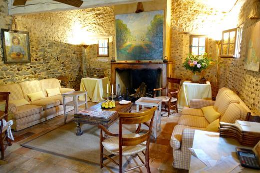 Les Pres d'Eugenie La Ferme sitting room