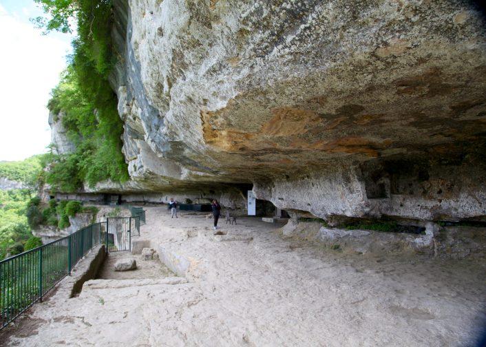 La Roque Saint-Christophe slit
