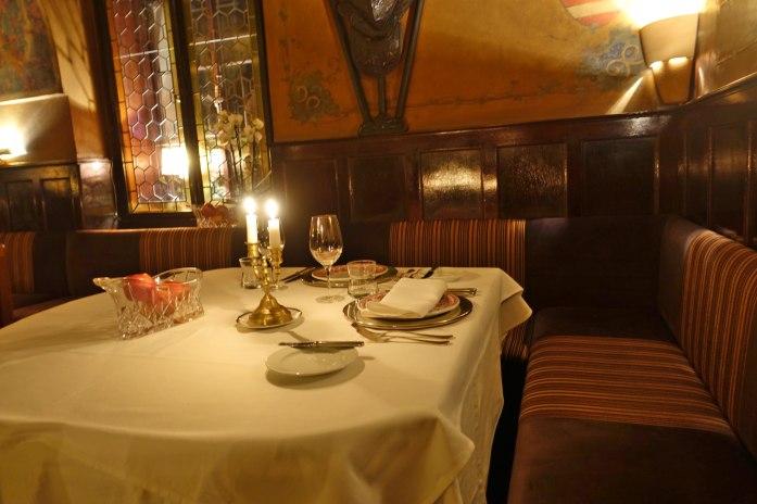 Prague U Malírù table
