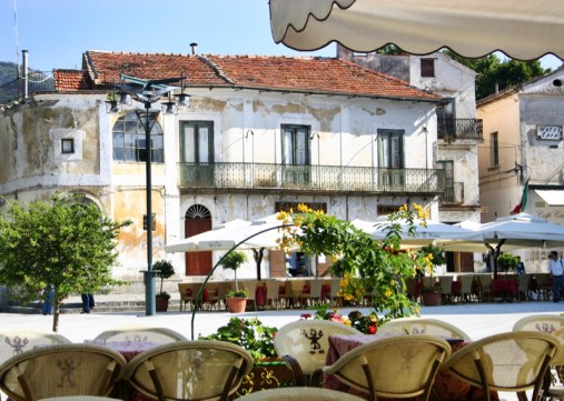 Ravello piazza cafe
