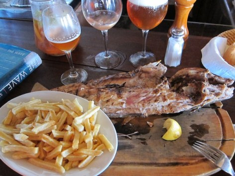 La Huella fish platter