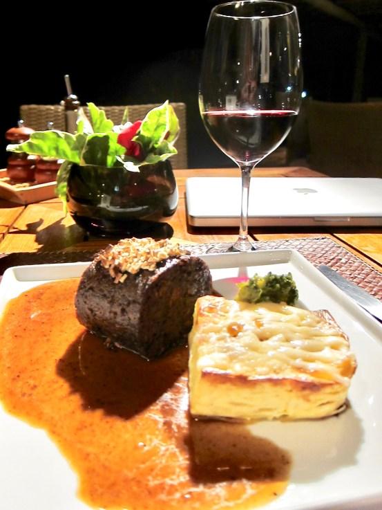 Posada Maravilha dinner
