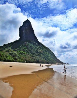 Praia Conceição reflections