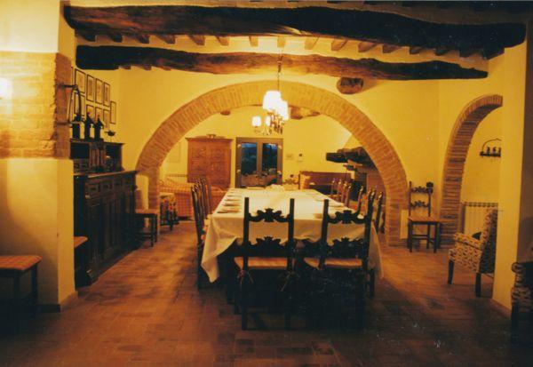 Villa Cerretello dining room