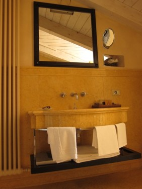 Art Hotel Novecento bathroom