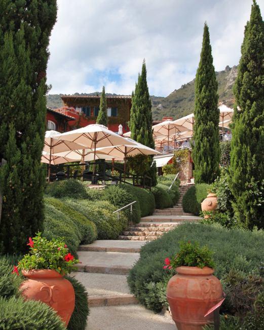 Il Pellicano terrace steps