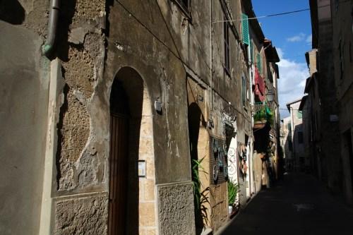Pitigliano streets sunlight