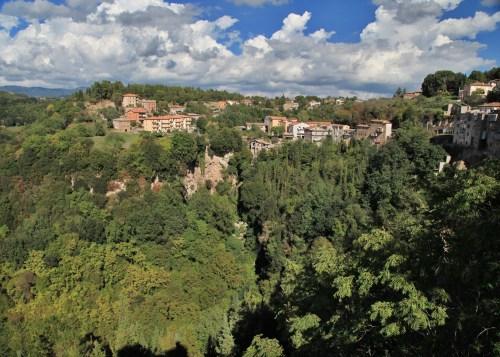 Pitigliano hills