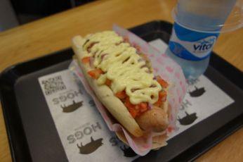 Barrio Lastraría Hogs hot dog