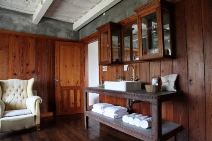 Narbona Wine Lodge bathroom