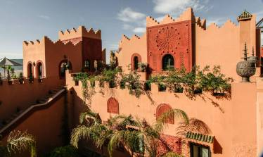 There are three main areas to stay. In the main kasbah building. A little three-room outbuilding with magical suites and some very isolated Berber tents, kitted out to the max with all modern conveniences and outstanding views.