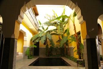 Villa des Orangers read pool arch