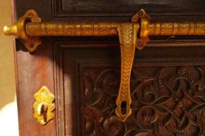 LA VILLA DES ORANGERS DOORWAY DETAIL