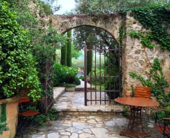 Bastide de Moustiers gate