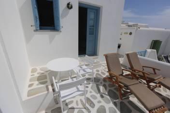 Anemomilos Apartments room 12 terrace door