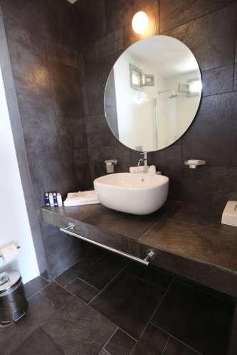 Anemi Hotel bathroom