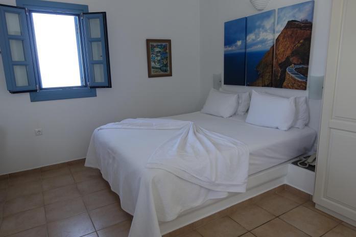 Anemomilos Apartments bedroom