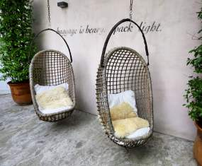 Camellas-Lloret hanging chairs