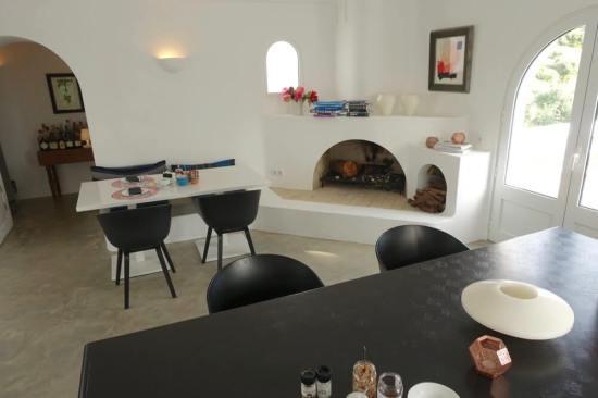 Casa Arte dining room fireplace