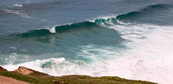 Nazaré waves