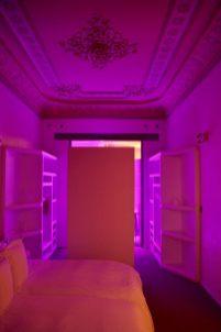 El Palauet Living chroma lights
