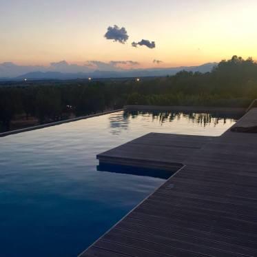 Hotel Mas Lazuli pool sunset