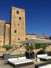 Castell d'Emporda pool seating