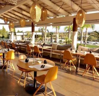 Hotel Mas Lazuli dining room