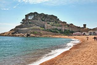 Tossa del Mar castle beach