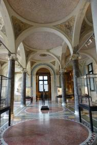 Neues Museum arches