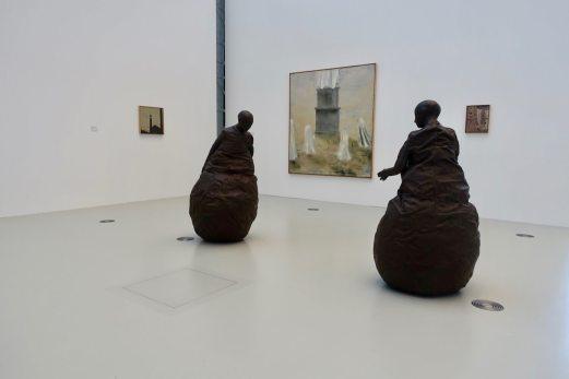 Deichtorhallen sculptures