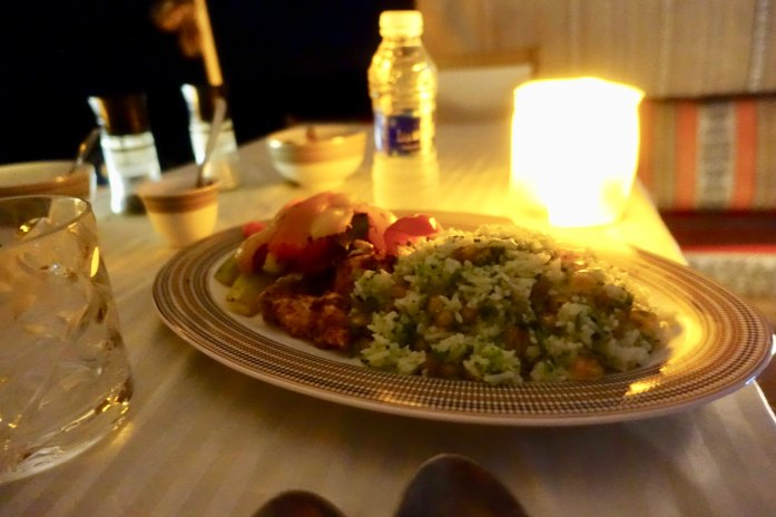 The food was really great, with starters and then a piping hot chicken and rice dish, served by candlelight. Like a lot of tent camps, this one is dry. But if you want to bring your own liquor you can. (Email them for details). I did not realize this. Might have been the first night in 20 years I didn't have a drink. 浪