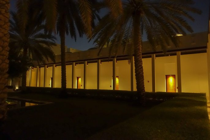 Chedi_Muscat corridor at night