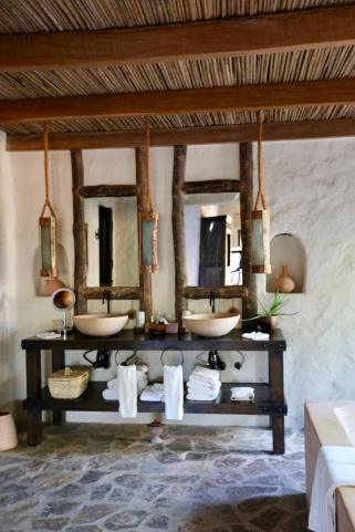 Six Senses Zighy Bay bathroom mirrors