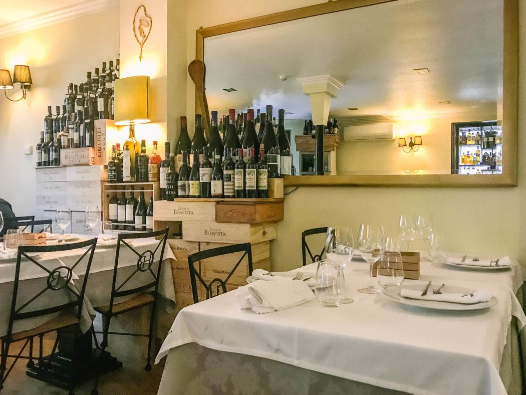 Horta dos Brunos dining room