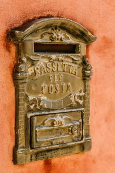Monforte d'Alba mailbox