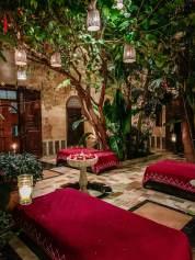 El Fenn red cushions lobby