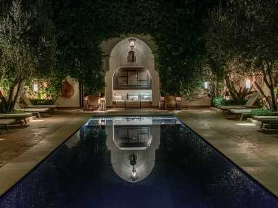 Villa des Orangers pool reflection