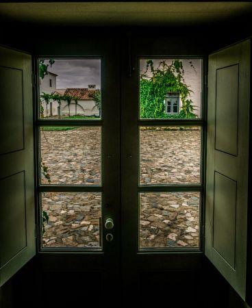 Sao Lourenco do Barrocal doorway view